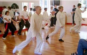 tai-chi-students-peaceful-dragon